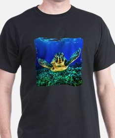 aquatic sea turtle T-Shirt