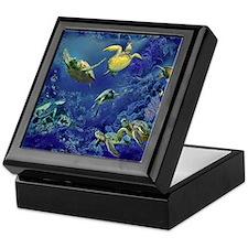 aquarium of sea turtles Keepsake Box