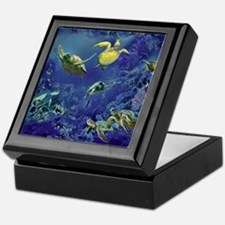 aquarium of sea turtles Keepsake Box