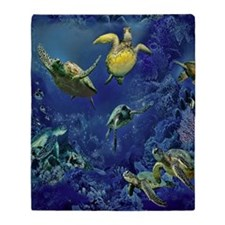 aquarium of sea turtle Throw Blanket