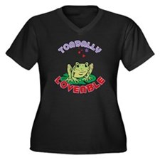 Toadally Lov Women's Plus Size Dark V-Neck T-Shirt