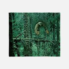 Green Woods Owl Throw Blanket