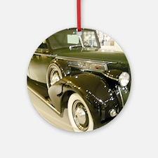 1939 Packard Car Round Ornament