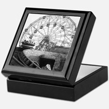 Coney Island Amusement Rides 1826612 Keepsake Box