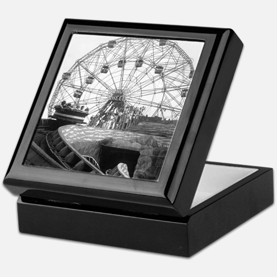 Coney Island Amusement Rides 1826612 Keepsake Box