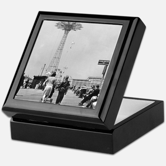 Coney Island Parachute Jump 1826579 Keepsake Box