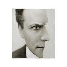 Houdini Optical Illusion Vertical Throw Blanket