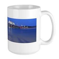 Bridge at night Mug