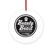 surlalune_logo_black_beast Round Ornament