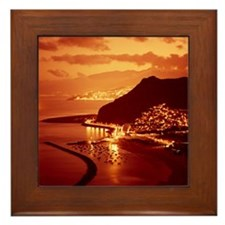 125141233 Framed Tile