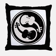 viol-yang4-T Throw Pillow