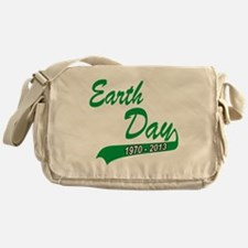 earth62013Wblack Messenger Bag