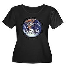 earth322 Women's Plus Size Dark Scoop Neck T-Shirt