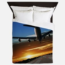 XL jumbo jet airplane landing at sunse Queen Duvet