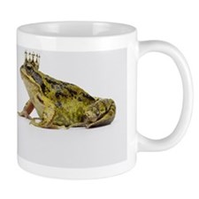A king and queen frog looking at each o Mug