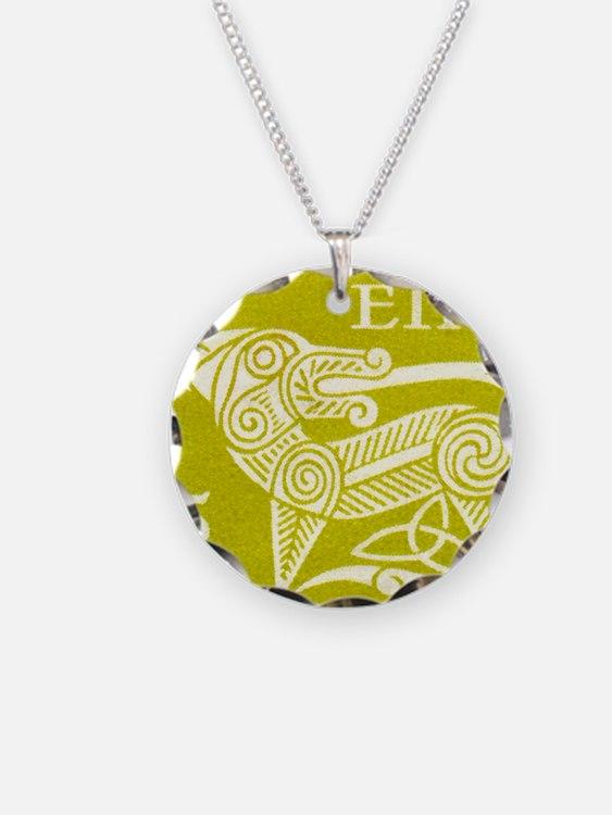 1971 Ireland Green Dog Posta Necklace