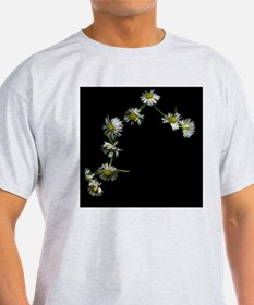 Daisy chain on background. T-Shirt