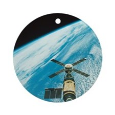 Skylab over Earth Round Ornament