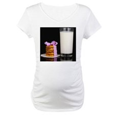 Glass of milk and cookies isolat Shirt