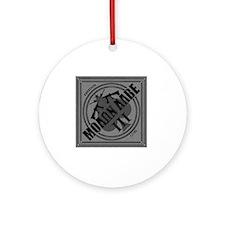 Molon Labe Diamond-Spade (Silver) Round Ornament