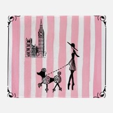 A walk in London Cover Girls Throw Blanket