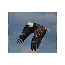 full crop eagle Throw Blanket