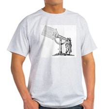 Compound microscope, 17th Century ar T-Shirt