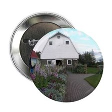 """Wineck barn 2.25"""" Button"""