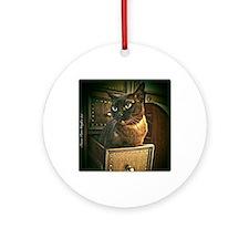 Kiwi the Burmese Cat Round Ornament