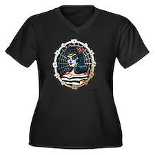 BETTY_WHITE Women's Plus Size Dark V-Neck T-Shirt