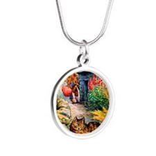 Visitors Silver Round Necklace