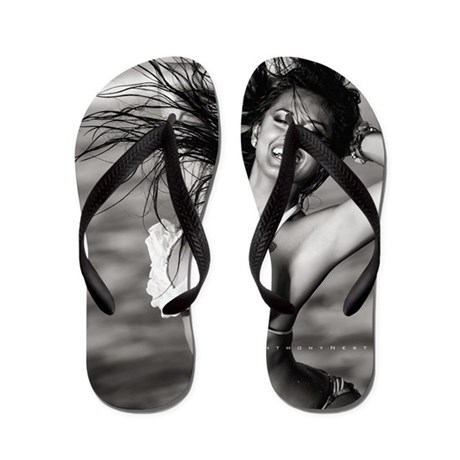 workshop-may-05-18-13_1338 BW fsz Flip Flops