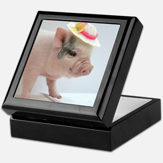 Micro pig with Summer Hat Keepsake Box