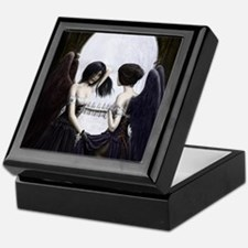 skull illusion coloured gn high res Keepsake Box