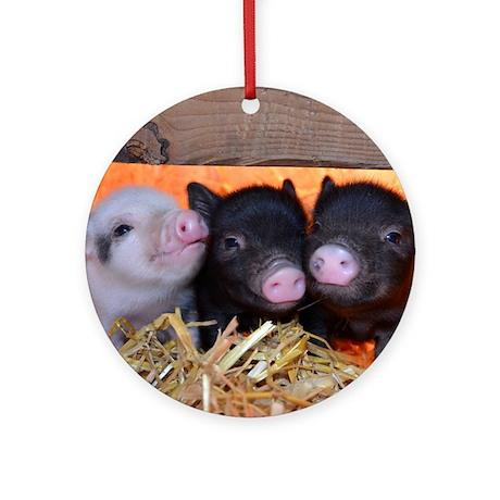 Three Little Piggies Round Ornament