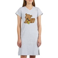 cute teddy bear with crayons Women's Nightshirt