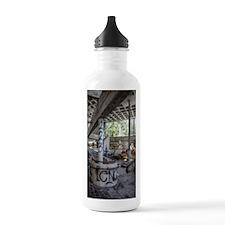 b 178 tm Sports Water Bottle