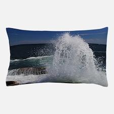 crashing waves Pillow Case
