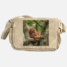 OrangUtan015 Messenger Bag