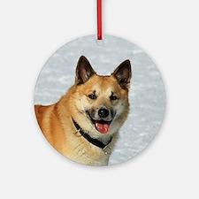 IcelandicSheepdog019 Round Ornament