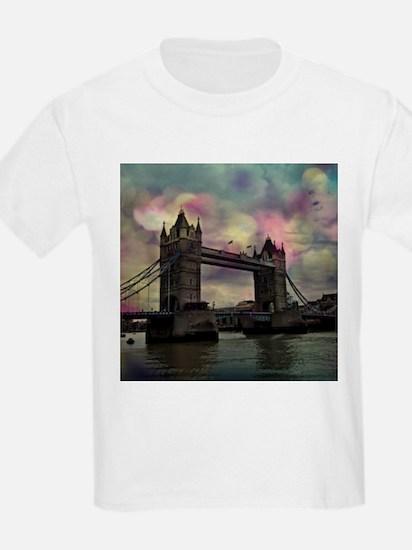 london tower bridge, dramatic light T-Shirt
