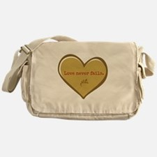 Love never fails Messenger Bag