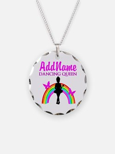 DANCING QUEEN Necklace