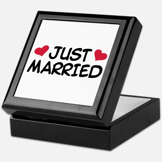 Just Married Wedding Keepsake Box