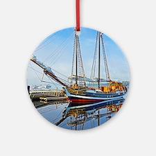 Tall Ship Larinda Ornament (Round)
