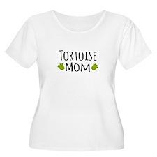 Tortoise Mom Plus Size T-Shirt