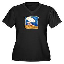 BEACH CHAIR Women's Plus Size V-Neck Dark T-Shirt