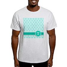 Letter T turquoise quatrefoil monogram T-Shirt