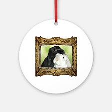 Frame Lola & SiDney  Round Ornament