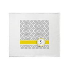 Letter S grey quatrefoil monogram Throw Blanket